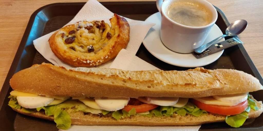 Ontbijt onderweg, Bayonne