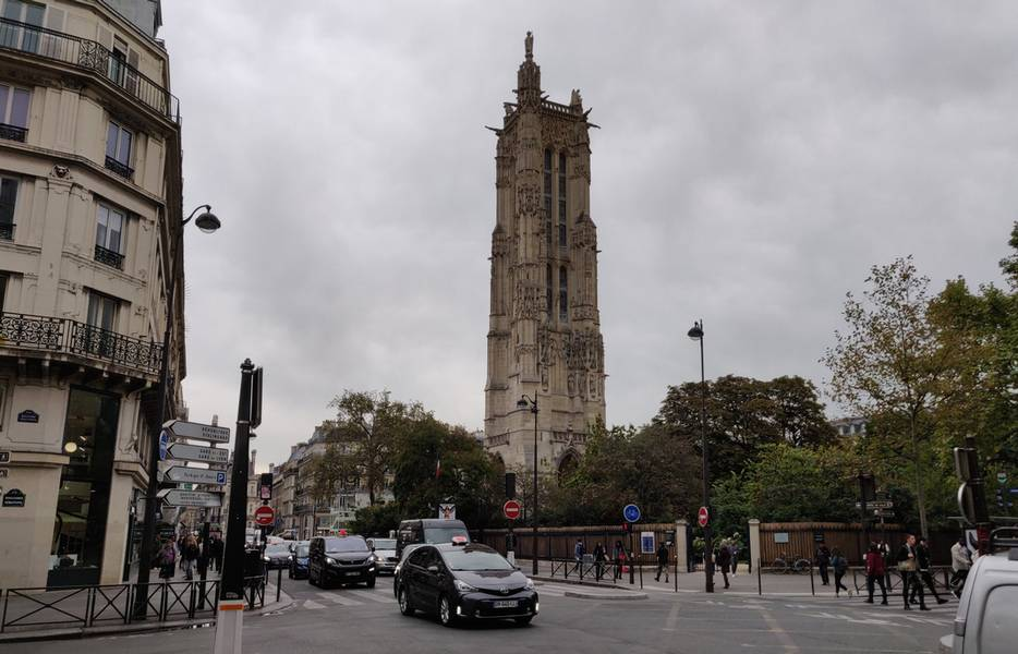 Onderweg, Tour Saint Jacques